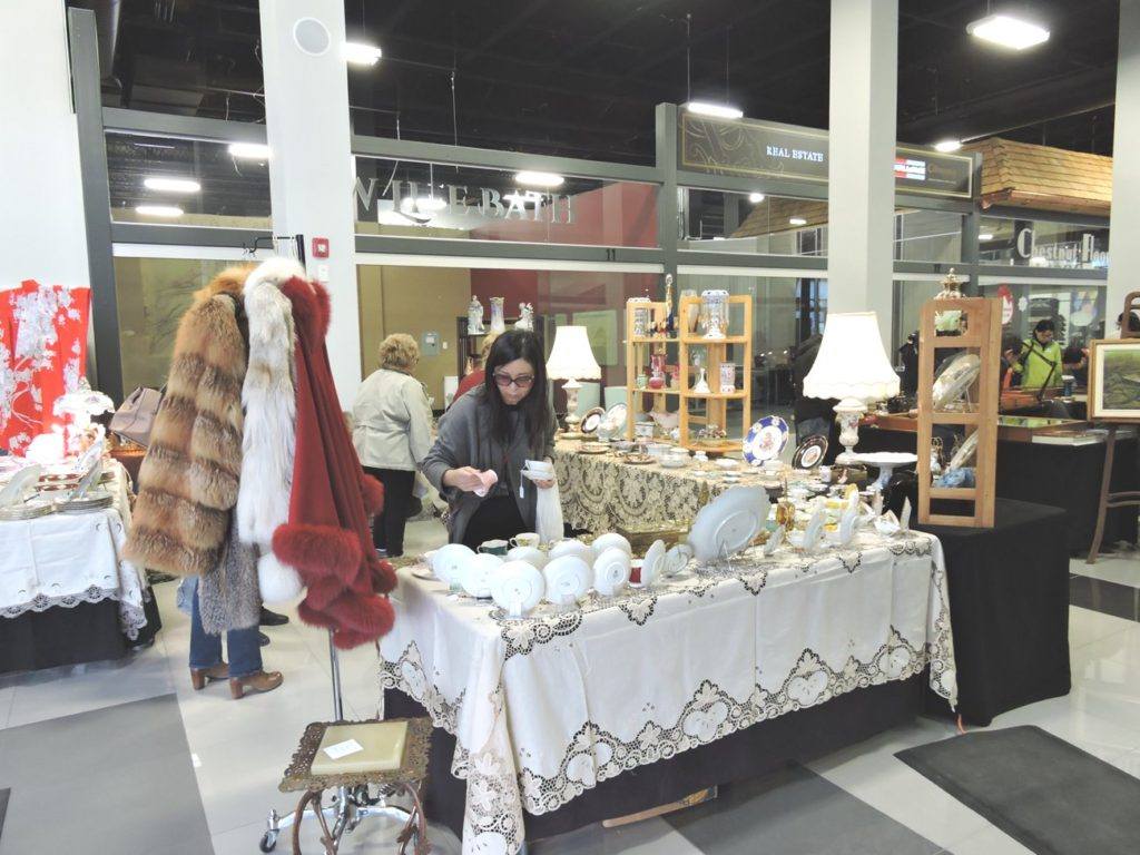 Heritage Antique Market at Improve Canada
